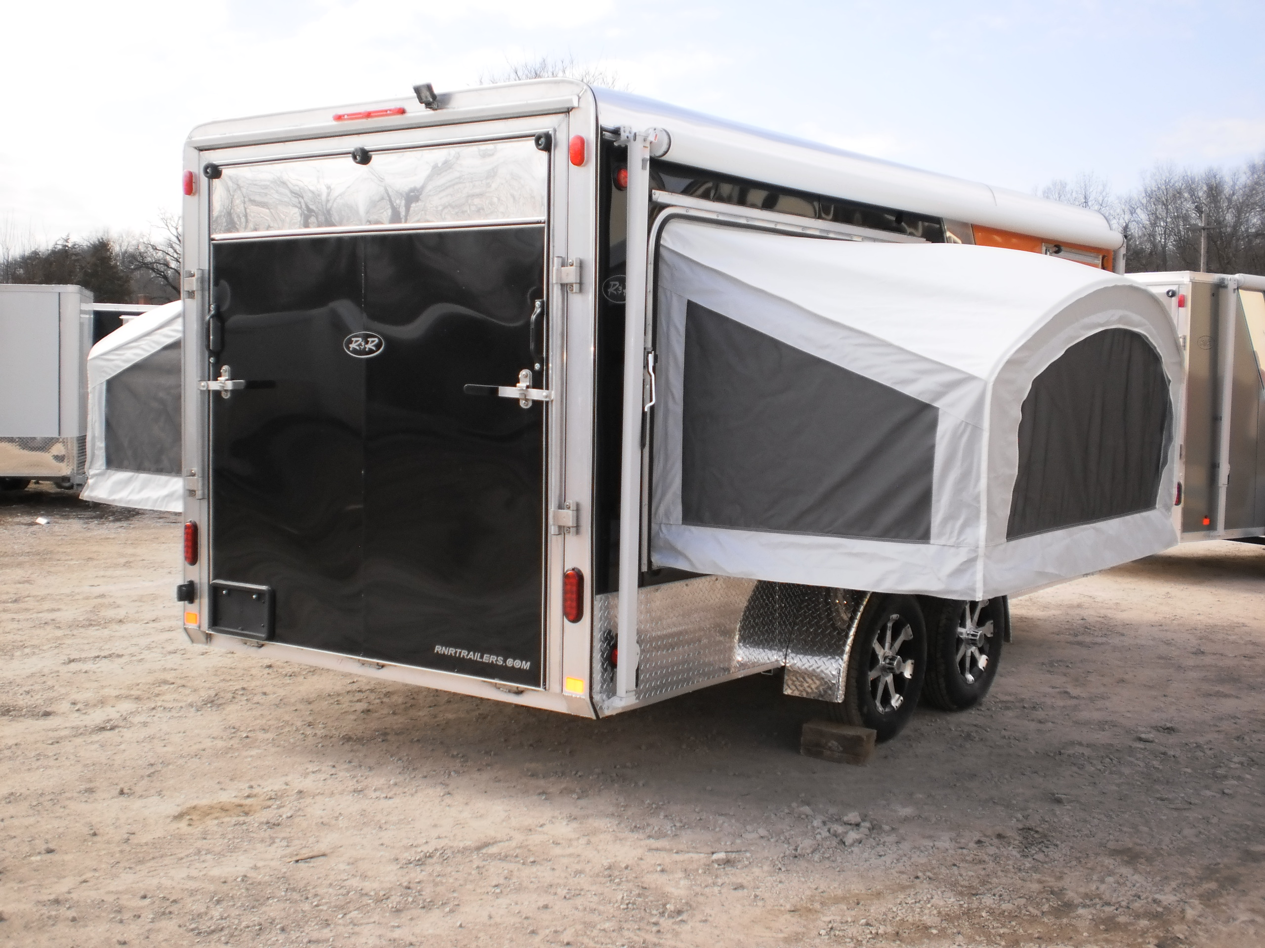 R Amp R Deluxe Cargo Trailer With Fold Out Bunks