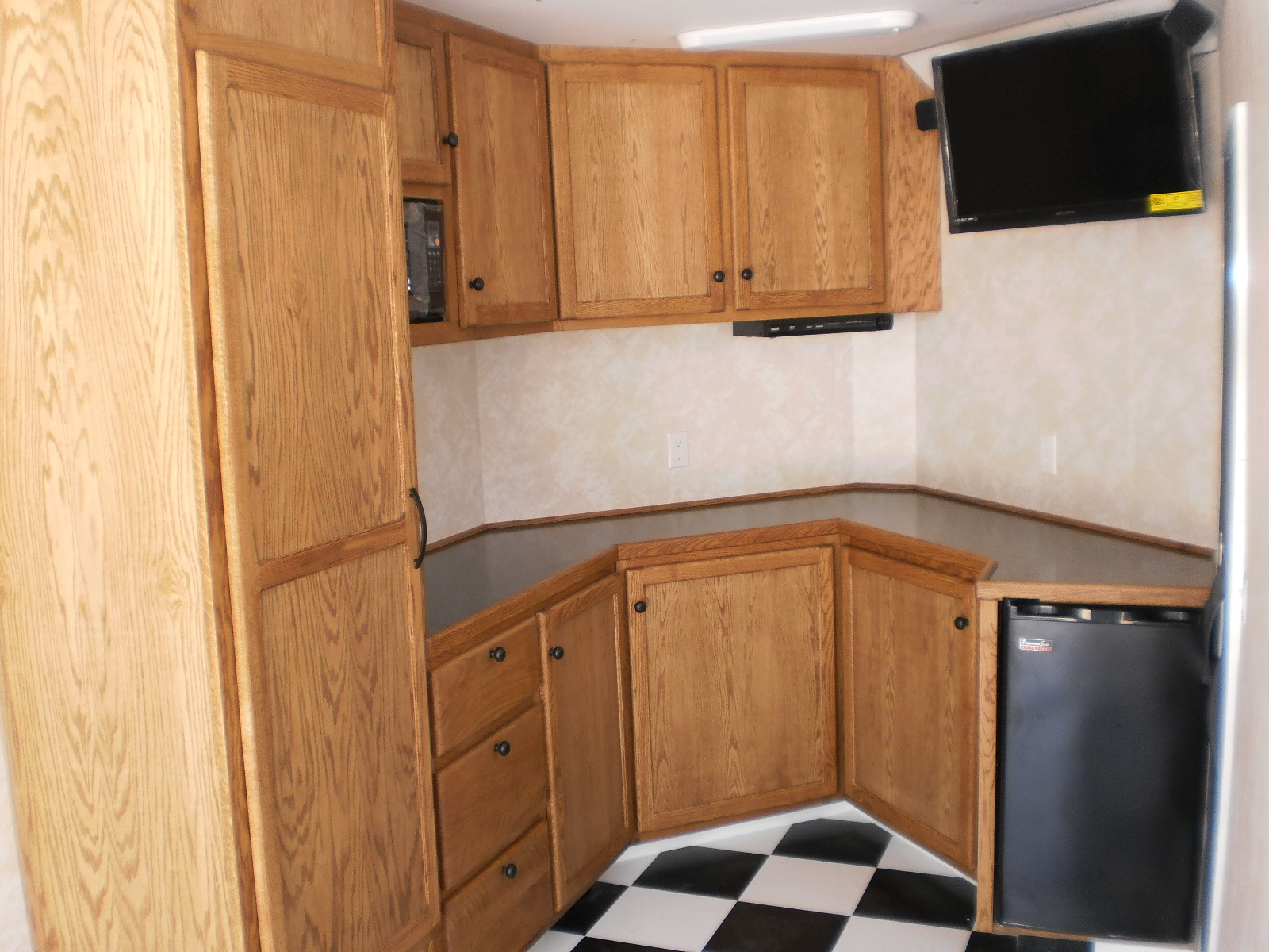 Superieur Custom Oak Cabinets